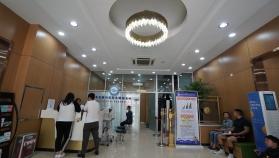 青岛眼科医院北部院区(屈光候诊区)